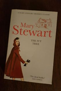 The Ivy Tree, Hodder pb 2011. Illustr Robyn Neild, Gerd Hartung/akg-images