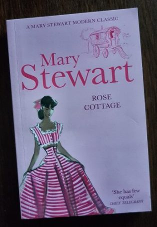 Rose Cottage, Hodder pb 2011. Illustr Robyn Neild, E Mierendorff/akg-images